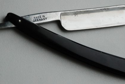 The Elsine Razor, schwarz